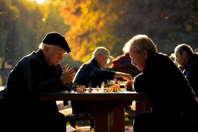 Photo by Val Vesa on Unsplash. Chess has mental health benefits.
