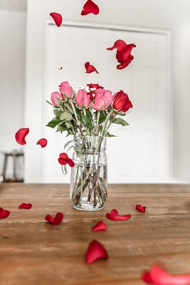 Flowers are a traditional Valentine's Day gift.